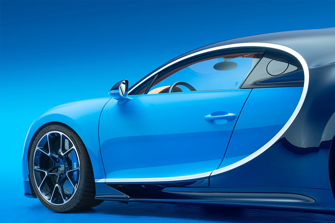 Корпус нового Bugatti полностью изготовлен из углеродного волокна
