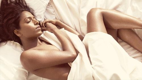 Исследование подтвердило: Важность в отношениях влияет на плохой сон