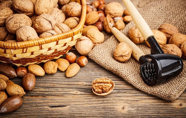 Орехи помогут поднять настроение